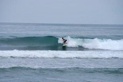 Surfer en thailande