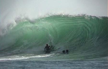 Karina Mattos surfing java