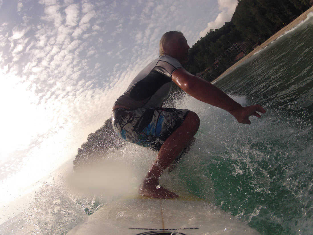surfing-kamala-beach-1