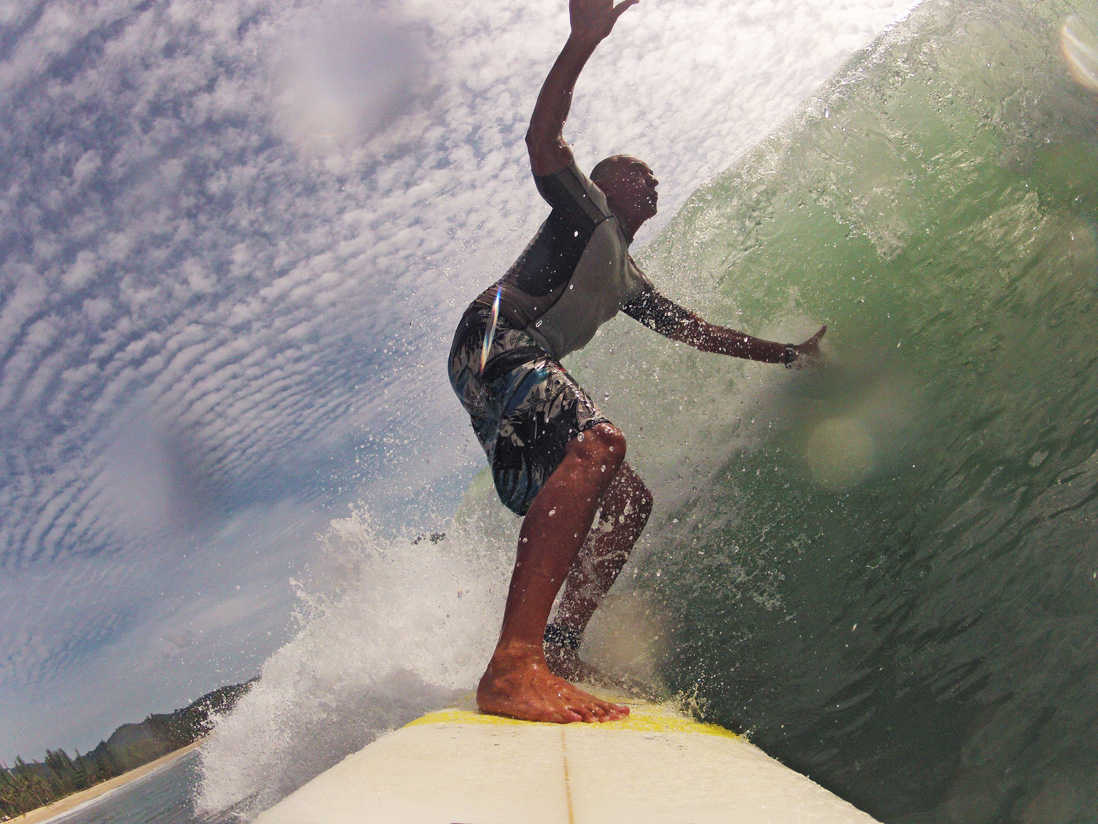 surfing-kamala-beach