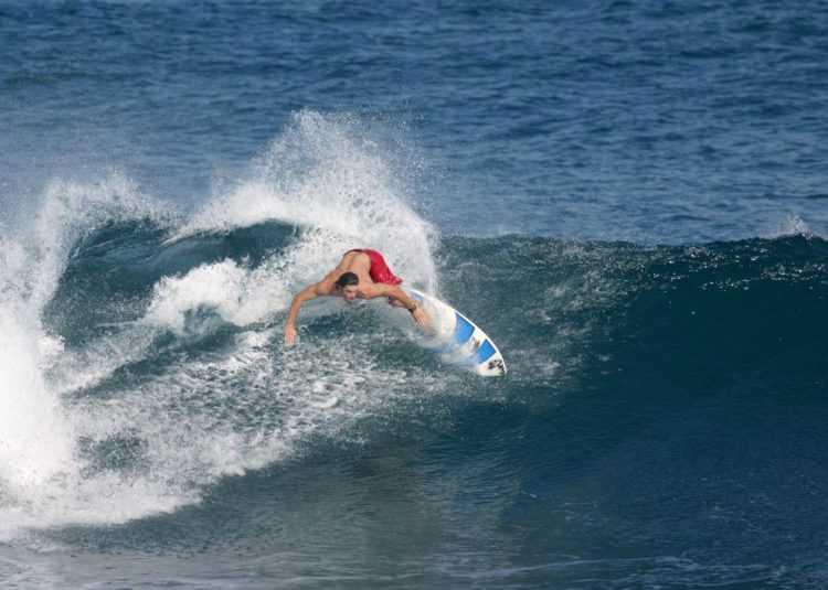 surfing-celana-merah1