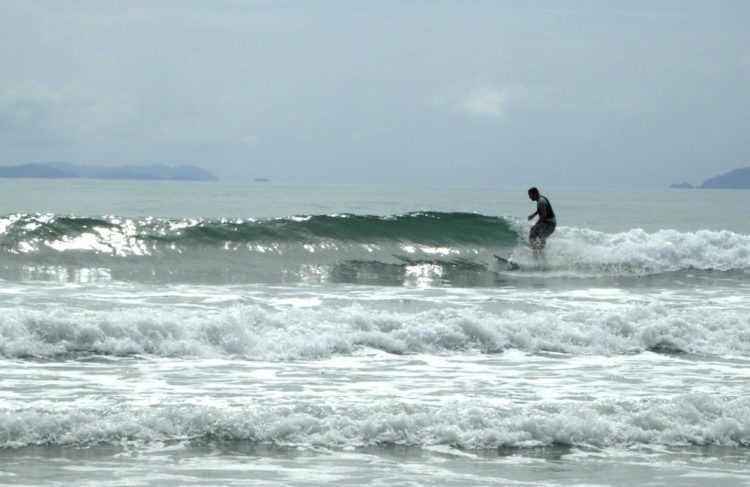 surfing-thailand-3